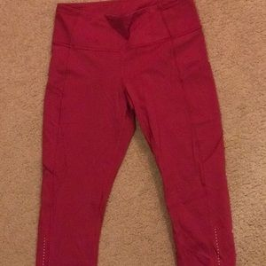 Lulu Lemon Pink Crop Leggings